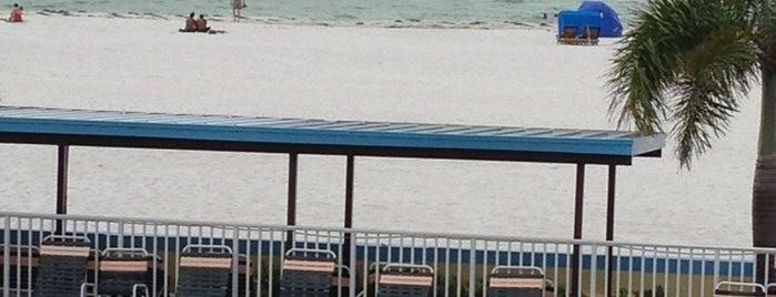 Plaza Beach Hotel - Beachfront Resort is one of Bill : понравившиеся места.