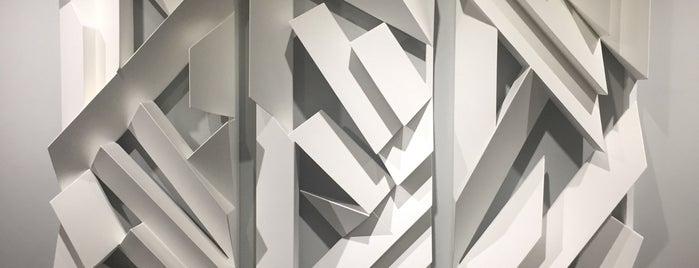 Paulo Darze Galeria de Arte is one of Locais curtidos por 📳 Laila.
