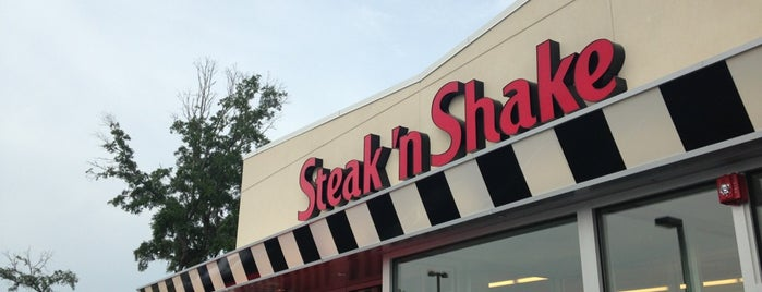 Steak N Shake is one of Orte, die Ted gefallen.
