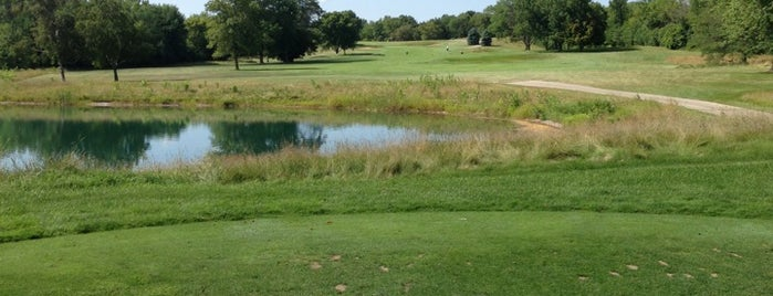 New Berlin Hills Golf Course is one of Locais curtidos por Rob.