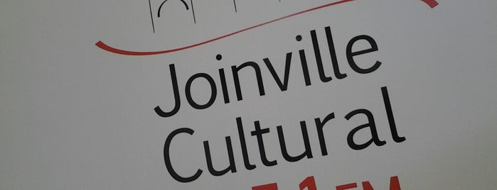 Rádio Educativa Joinville Cultural FM 105,1 is one of สถานที่ที่ Roy ถูกใจ.