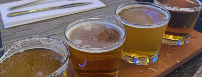 Vesper Tavern is one of Lugares favoritos de Jeeleighanne.