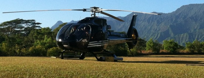 Sunshine Helicopter Tours is one of Orte, die Nicole gefallen.