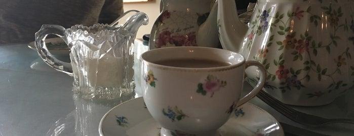 Ploughcroft Tea Room is one of Lynchburg.