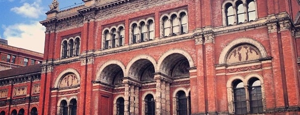 Victoria and Albert Museum (V&A) is one of Kensington List.