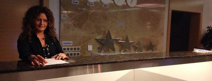 Dream Life Hotel is one of Orte, die Resul gefallen.