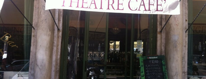 Theatre Café is one of Lugares favoritos de Elizabeth.