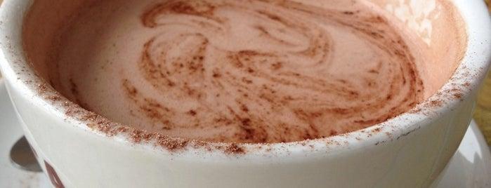 Costa Coffee is one of Lugares favoritos de Barry.