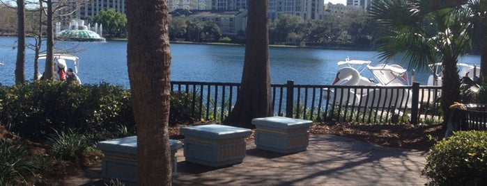 Relax Grill At Lake Eola is one of Delish, go back..