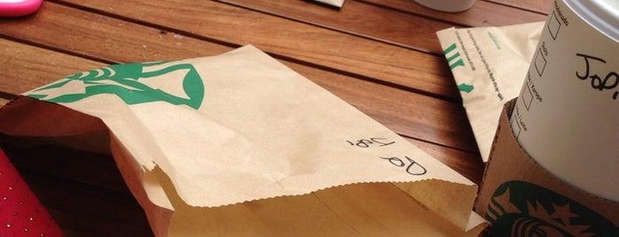 Starbucks is one of Melhores Programas em Buenos Aires.
