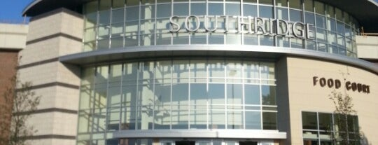 Southridge Mall is one of Lugares favoritos de Alberto J S.