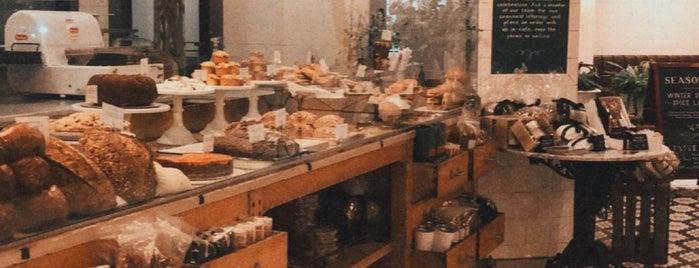 Tatte Bakery is one of Lugares favoritos de Rachel.