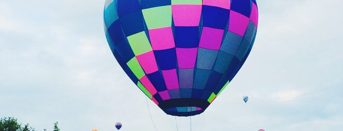 Stoweflake Hot Air Balloon Festival is one of Vermont.