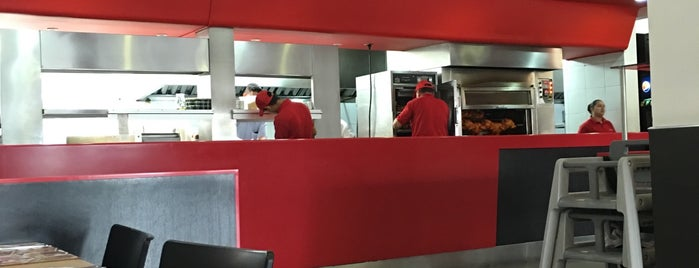 La Brasa Roja is one of Bares & restaurantes Bogotá.
