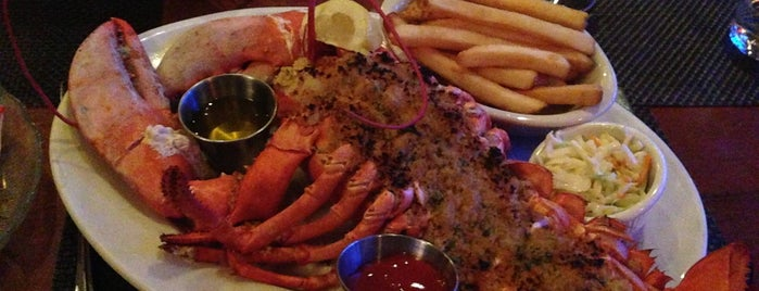 Skipjack's Seafood Emporium is one of Must Eat Places.