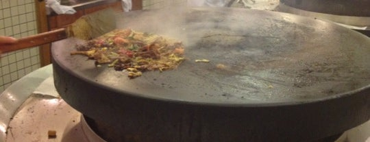 Big Wok Mongolian BBQ is one of Meredithさんの保存済みスポット.