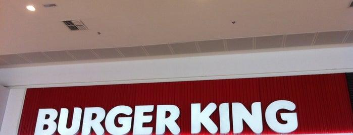 Burger King is one of Locais curtidos por Luiz.