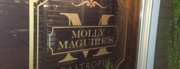 Molly Maguire's Black Point Inn is one of Tempat yang Disimpan Lizzie.