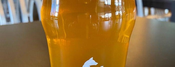 Mojave Brewing Company is one of Locais curtidos por Kristeena.