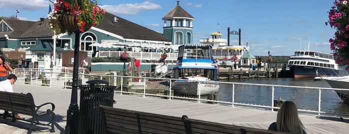 Old Town Waterfront is one of Diana'nın Beğendiği Mekanlar.