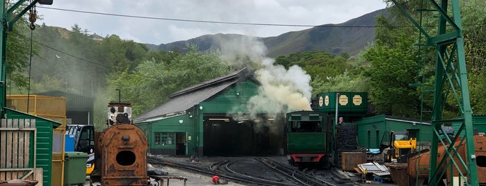 Snowdon Mountain Railway is one of Tempat yang Disukai Carl.