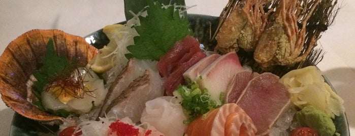 Umami Restaurant and Sushi Bar is one of Robertさんのお気に入りスポット.