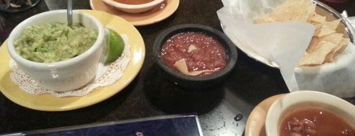 El Chaparral Mexican Restaurant is one of Orte, die Tiona gefallen.