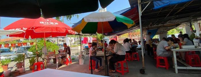 Hokkien Mee 橋頭福建面 is one of Penang | Eats.
