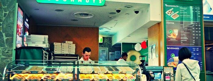 Krispy Kreme is one of Tempat yang Disukai Sinem.