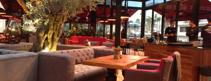 Cafe Locale İstanbul is one of Liste.
