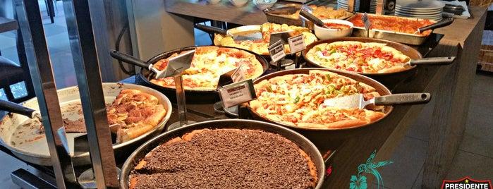 Pizza Hut is one of Locais curtidos por Presi.