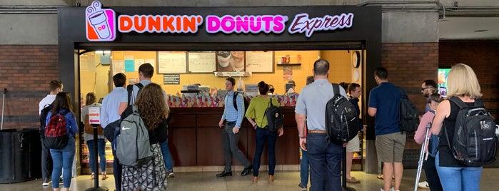 Dunkin' is one of jordiさんのお気に入りスポット.