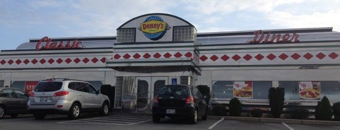 Denny's is one of สถานที่ที่ Brandon ถูกใจ.