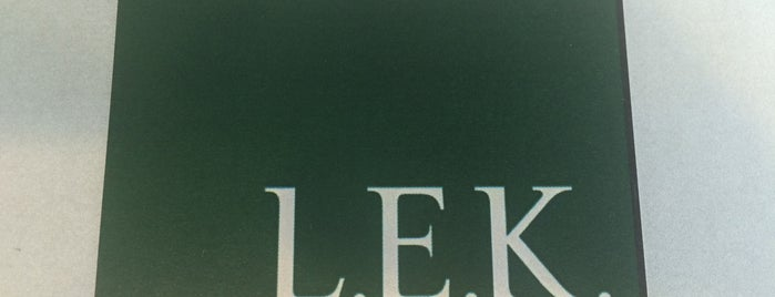 L.E.K. Consulting is one of Susan : понравившиеся места.