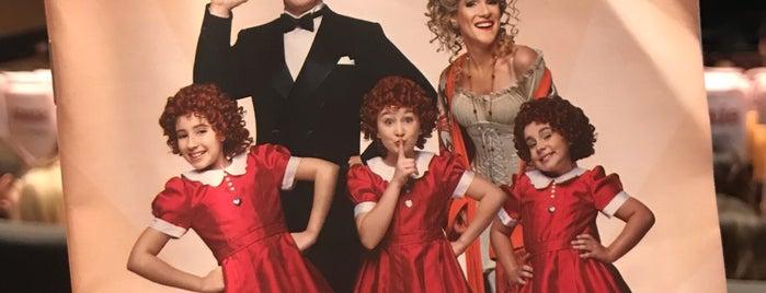 Musical.: Annie is one of Heloisa'nın Beğendiği Mekanlar.