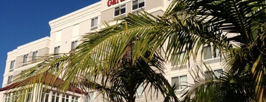 Hilton Garden Inn is one of สถานที่ที่ Helena ถูกใจ.