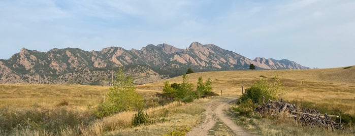 Flatirons Vista Trailhead is one of Date Ideas.