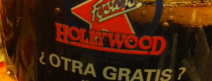 Foster's Hollywood is one of Antonioさんのお気に入りスポット.