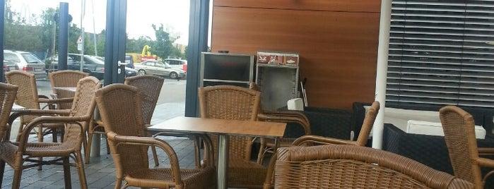 McDonald's is one of Tempat yang Disukai Kübra.
