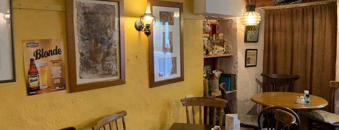 Nancy's Bar is one of Orte, die Ben gefallen.