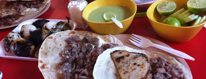 Tacos La Fogata is one of MONCHIZA EN MOCHIS.