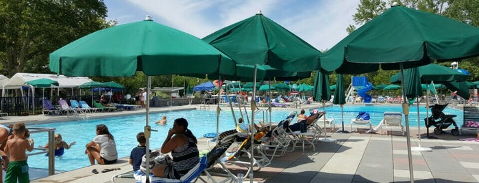 Bay Terrace Country Club is one of CD19 Favorite Places.