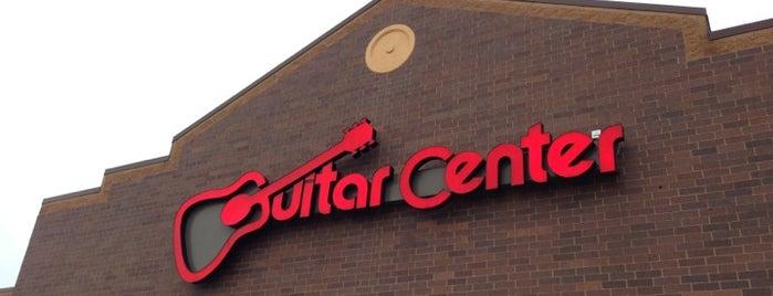 Guitar Center is one of Posti che sono piaciuti a Leilani.