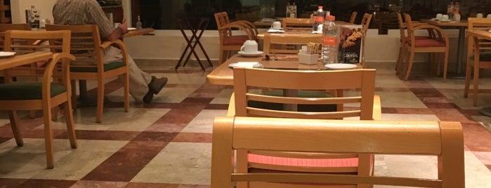 Fiesta Inn Restaurante is one of Posti che sono piaciuti a Mayte.