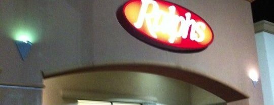 Ralphs is one of Lugares favoritos de Andrew C.