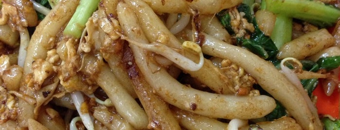 Kwetiaw Jangkung JK Sapi & seafood is one of สถานที่ที่ Gary ถูกใจ.