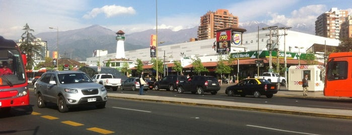 Apumanque is one of Centros Comerciales de Chile.
