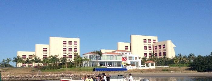 Ocean Friendly Tour is one of สถานที่ที่ Pericles ถูกใจ.