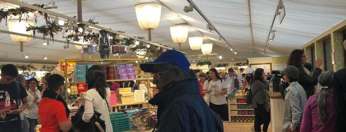 Buckingham Palace Shop is one of Posti che sono piaciuti a Layal.