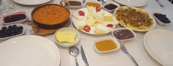 Kudal Karadeniz Yemekleri & Cafe is one of Istanbul.